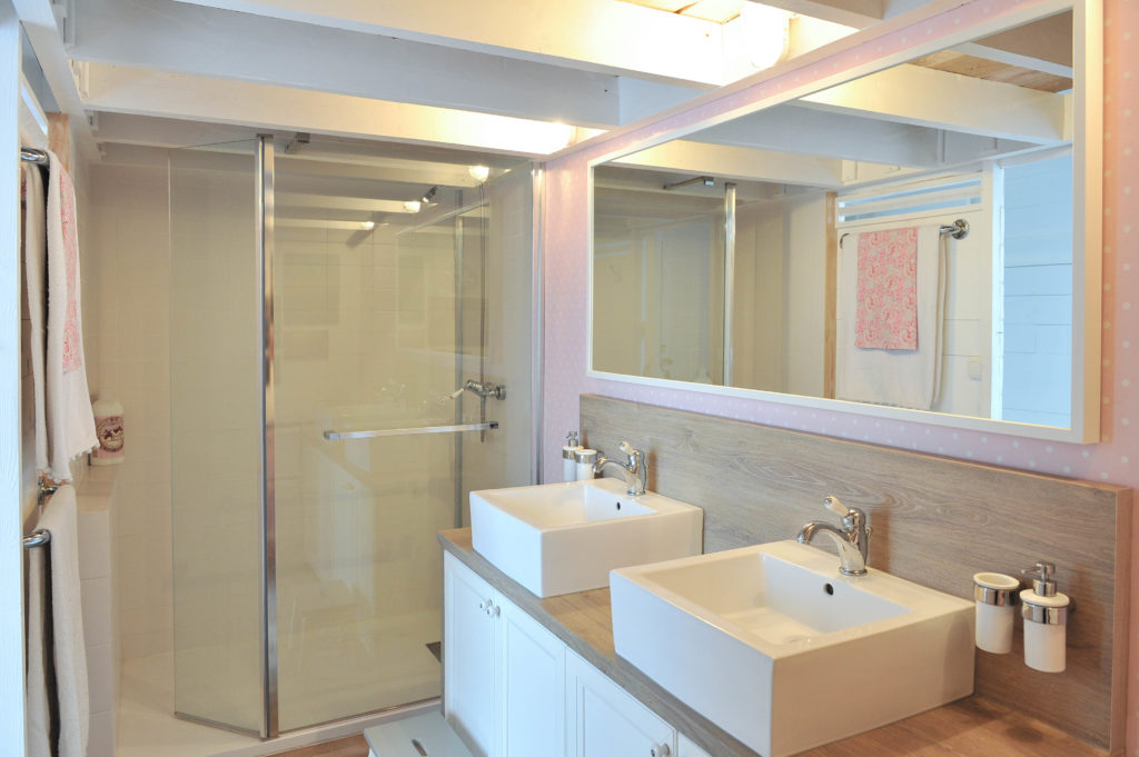 Salle de bain et home staging la maison bliss for Salle de bain home staging